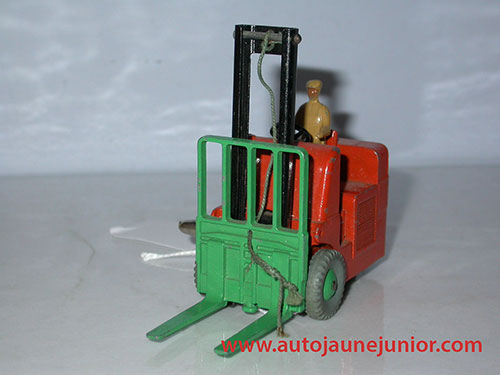 Dinky Toys GB charriot à fourche