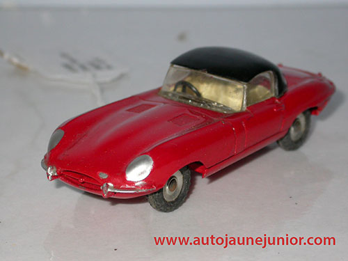 Dinky Toys GB Type cabriolet capotée