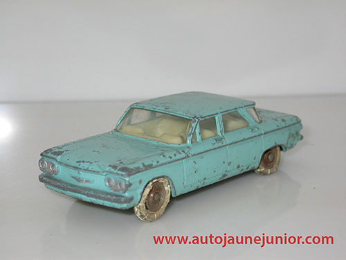 Dinky Toys France Corvair berline