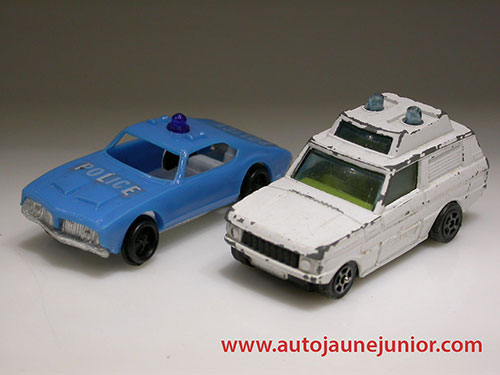 lot deux autos de police