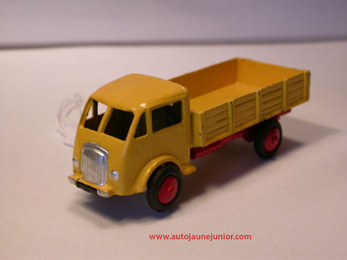 Dinky Toys France camion ridelles