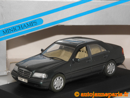 Minichamps C220 berline