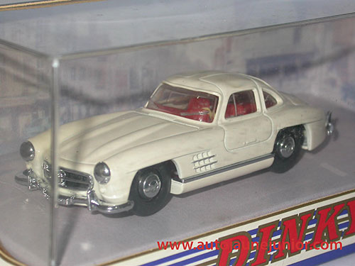 Dinky Matchbox Benz 300 SL Gullwing 1955